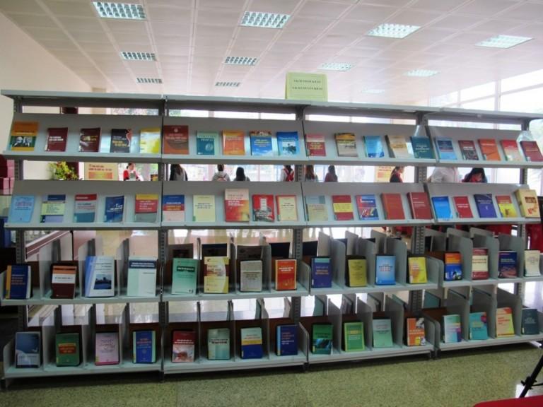 Thư viện HLU