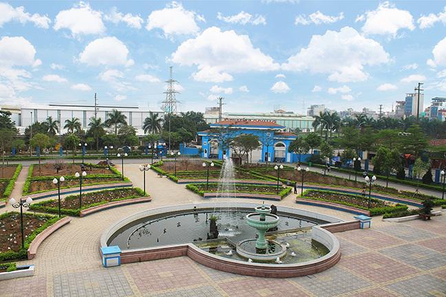 Khuôn viên Vườn Hồng ĐH Thành Đô