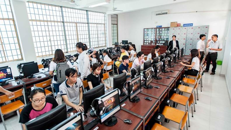 Phòng tin học Đại học Bà Rịa Vũng Tàu