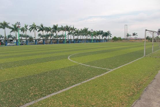 Sân bóng ĐH Thành Đô