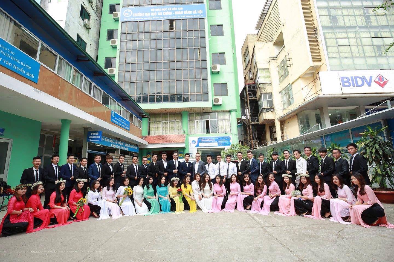 Sinh viên ĐH Tài chính Ngân hàng Hà Nội