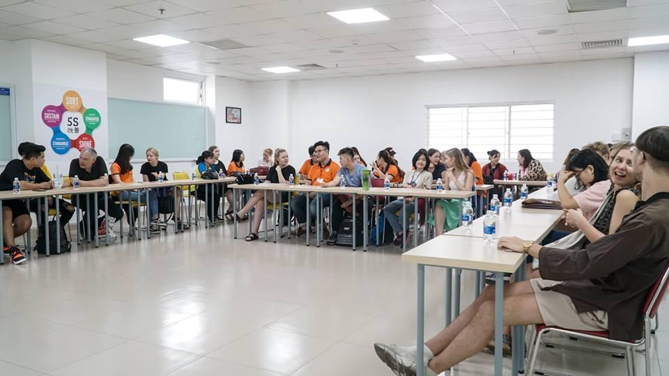 Hội thảo trao đổi giữa sinh viên Đại học công nghệ Tp.HCM với sinh viên Đan mạch