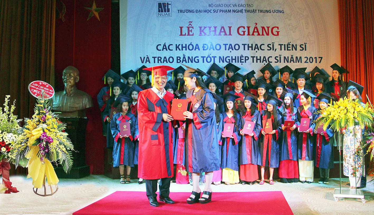 Lễ khai giảng và trao bằng thạc sĩ năm 2017