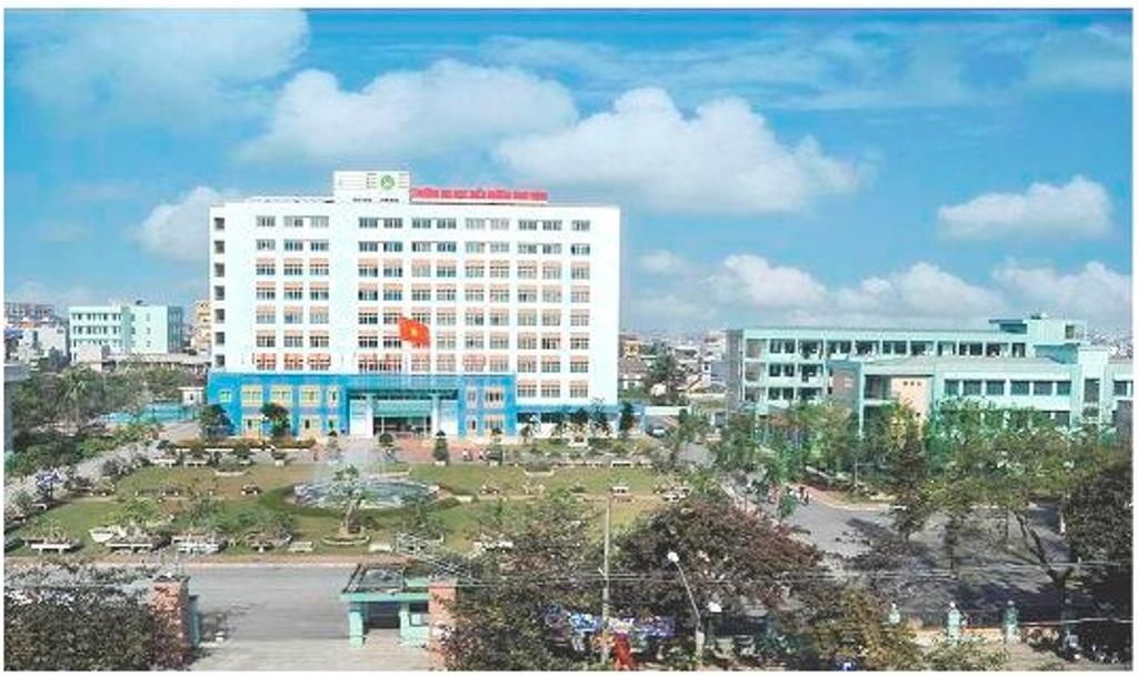 Toàn cảnh trường ĐH Điều dưỡng Nam Định